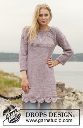 Вязаное платье спицами с круглой кокеткой