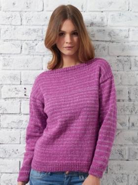 Полосатый свитер спицами с вырезом лодочка