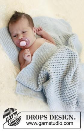 Плед спицами для малыша с пышным ажуром