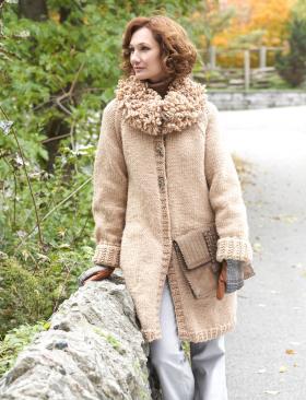 Пальто спицами с рукавом реглан