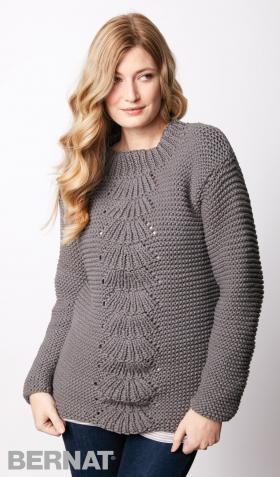 Пуловер платочной вязкой с веерным узором в центре