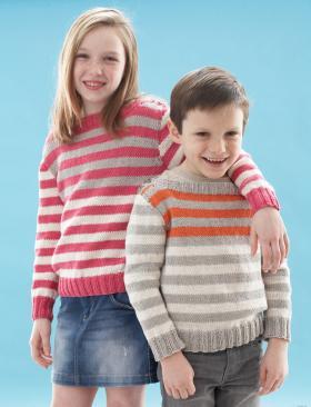 Яркий полосатый пуловер