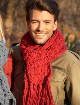 Красный шарф для него