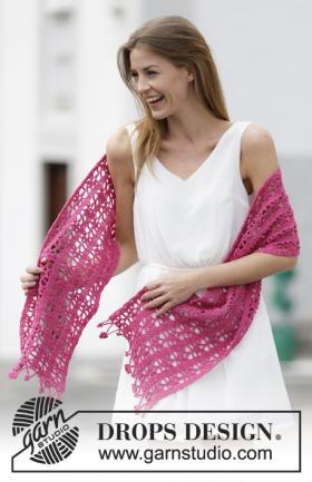 Ажурный шарф крючком с цветочной бахромой