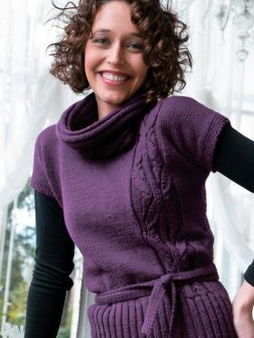 Пуловер с коротким рукавом и поясом