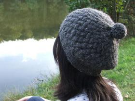 Шапка с узором плетенка