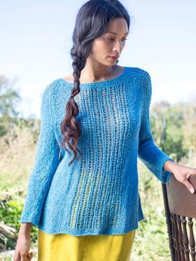 Пуловер спицами с ажурными дорожками