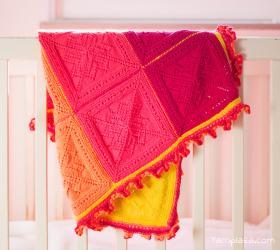Яркое одеяло из квадратных мотивов