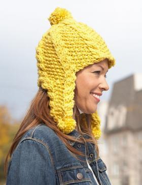 Желтая шапка с рельефным узором - Фото 1