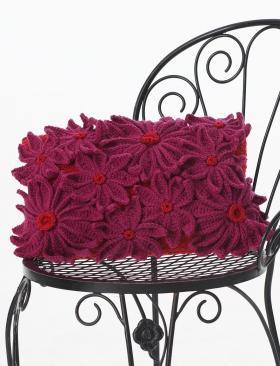 Подушка крючком с цветами