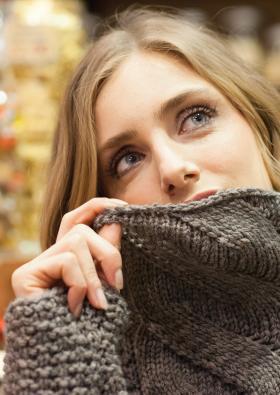 Пуловер с узором ложный жгут - Фото 1