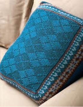 Покрывало и подушка спицами с жаккардом - Фото 1