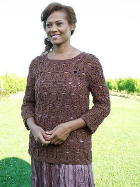 Пуловер с узором листочки крючком