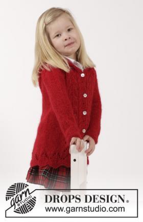 Жакет спицами с капюшоном из мохера для девочки