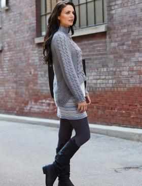 Пуловер спицами с асимметричным низом - Фото 1