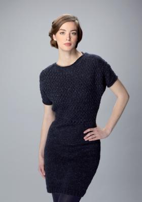 Платье с коротким рукавом и узором плетенка на кокетке