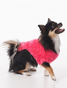 Розовое мохнатое пальто