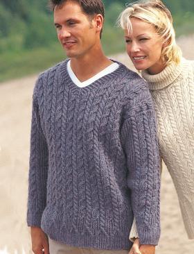 Удобный пуловер с V-образным вырезом