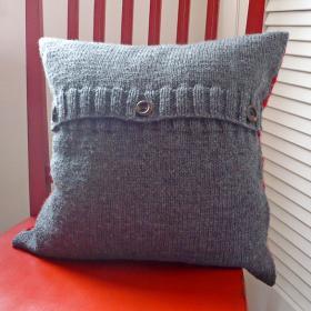 Подушка крестики-нолики - Фото 1