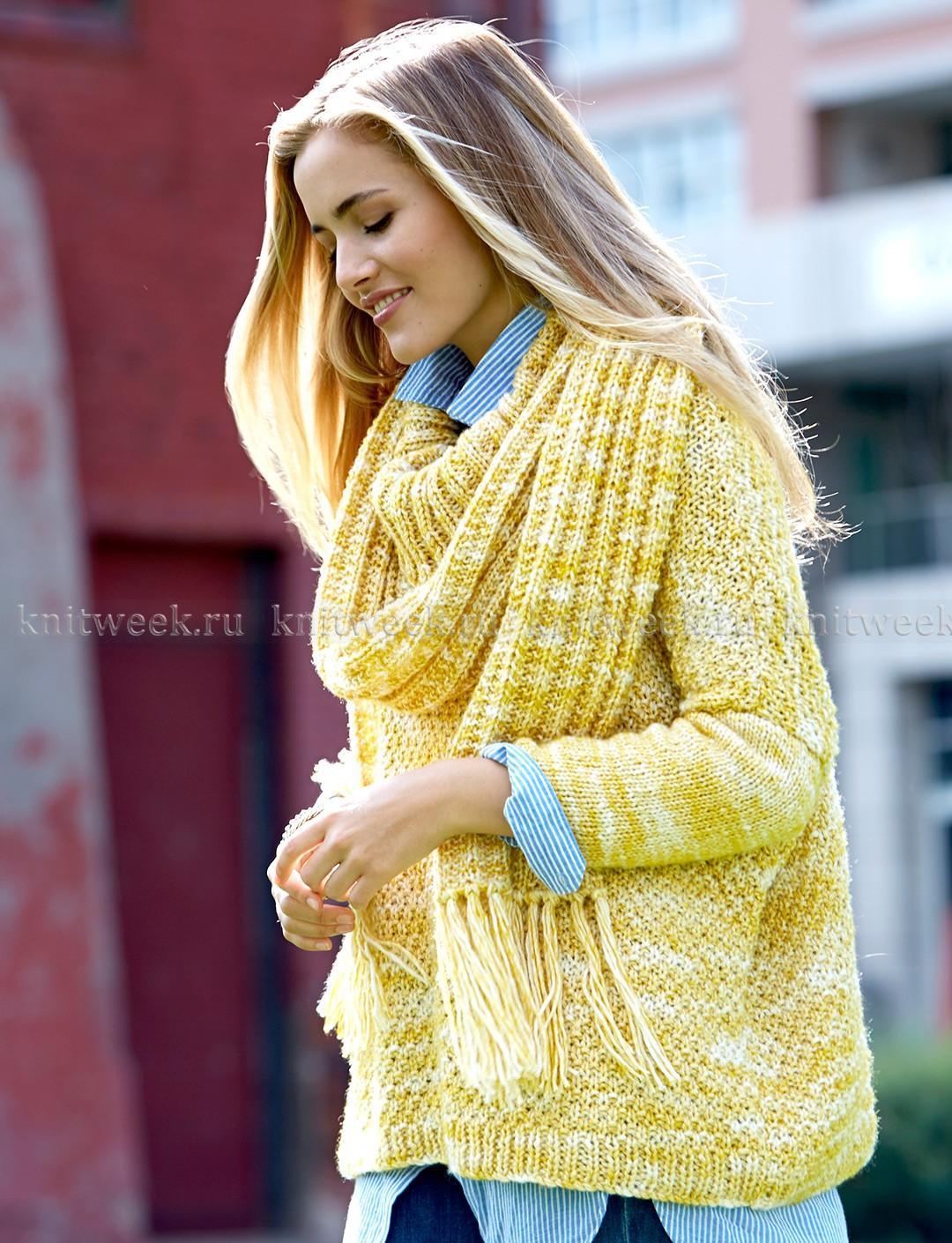 свитер спицами со спущенным плечом