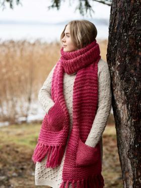 Объемный шарф с карманами платочным узором