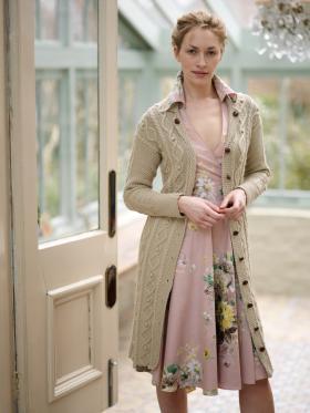 Пальто с аранами жемчужным узором