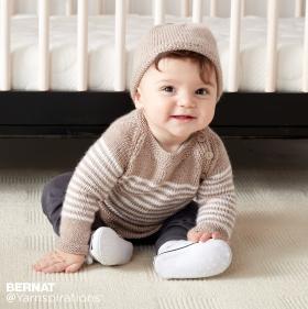 Пуловер в полоску на пуговицах и шапка