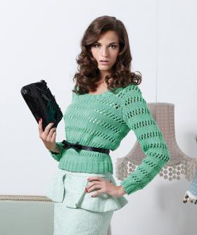 Укороченный свитер с ажурными полосами