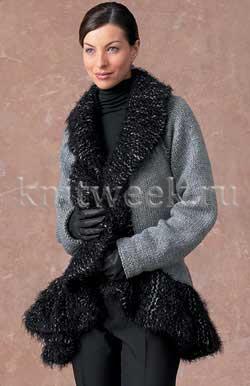 Теплое пальто с окантовкой