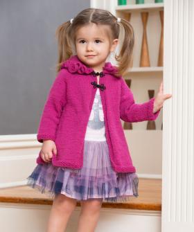 Детское пальто спицами с капюшоном