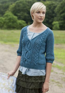 Короткий пуловер с V-образным вырезом