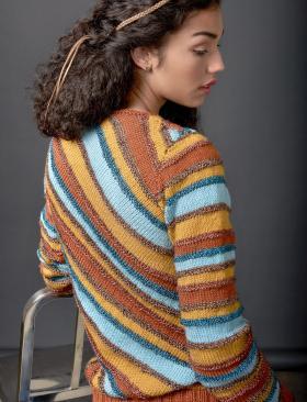 Полосатый свитер по диагонали - Фото 1