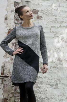 Платье в графичном стиле