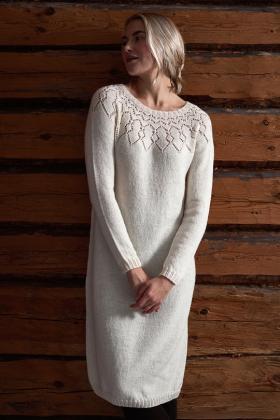 Платье с длинным рукавом и круглой ажурной кокеткой