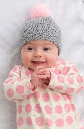 Шапка для малыша платочным узором