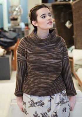 Пуловер с рукавом реглан и высоким воротником