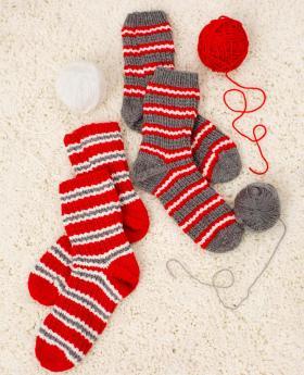 Новогодние носки с теневым узором