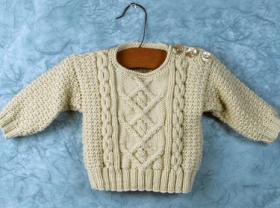 Детский свитер с аранами