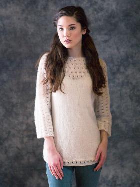 Пуловер одной деталью из мохера