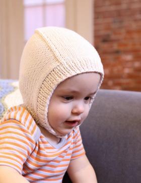 Чепчик для малыша на пуговице