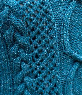 Короткий пуловер с V-образным вырезом - Фото 1