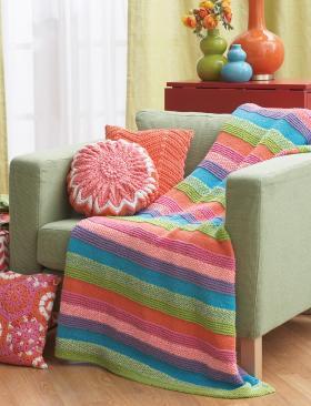 Разноцветное вязаное одеяло спицами