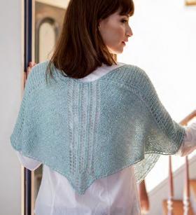 Ажурный шарф спицами с V-образным вырезом - Фото 1