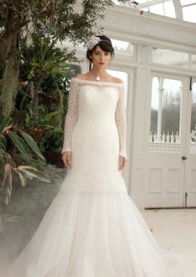 Белое ажурное платье из мохера