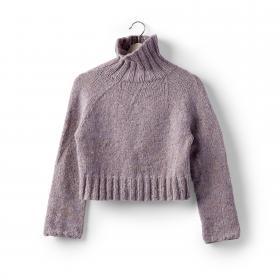 Кроп свитер с круглой кокеткой спицами