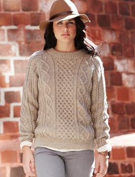 Женский свитер спицами с аранами