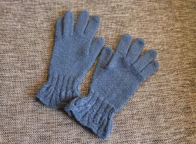 Перчатки из SEAM Alpaca 125 (50% альпака, 50% акрил) 125 м/50 г. Описание - http://knitweek.ru/modeli/perchatki-s-uzorom-na-manzhete.html