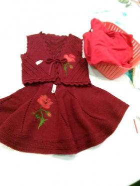Костюм для девочки, рисунок выпонен методом сухого валяния на шерсти